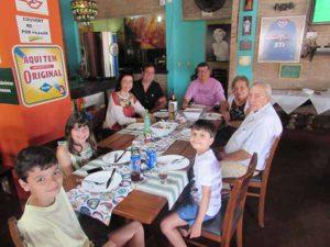 Fernando Bernadini Filho/Renata e a filha Maria Clara, Celso Barbosa Lima/Leila, Sérgio Bueno Barbosa Lima e os filhos Matheus e Marcos