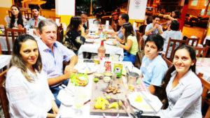 Antônio Cláudio Pilotto/Nilva e  os filhos Fernanda e Gustavo<br>