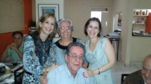Maude Completa 73 anos, dia 15 de julho, a professora Maude Aparecida Betti Pinto. Ela recebe os parabéns do esposo Álvaro Antônio Pinto, das filhas Adriana e Giovana, dos genros, familiares e amigos