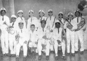 """Foto de 1963, da Corporação Musical de Ituverava, mantida pela prefeitura. Faziam parte da """"Furiosa"""" como era carinhosamente chamada, 13 músicos, e (1) o maestro era Antônio Salvino Filho"""