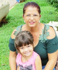 """""""Entendo que através leitura é possível notar ângulos diferentes de um mesmo assunto, descobrindo um mundo novo, cheio de coisas desconhecidas"""". Izabel Cristina  Oliveira, 47 anos, dona de casa<br>"""