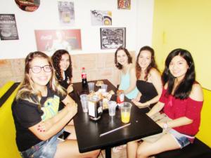 Beatriz Magalhães, Marina Magalhães,  Letícia Oliveira, Amanda Ferrato e Luíza Okubo<br>
