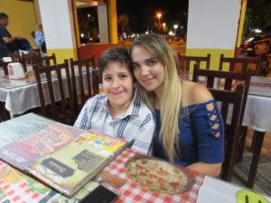 Os irmão Lourraíne Rosa e Enzo Rosa<br>