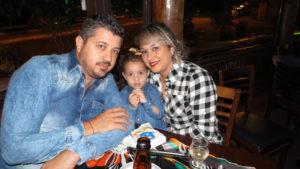 Orlei Casimiro/Vivian e a filha Helena Avelino<br>