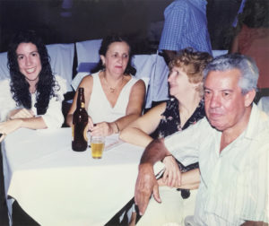 """Foto do ano de 2000, na Associação Atlética  Ituveravense, (1) e (2) do casal Atílio Mendes Lopes (""""Barão"""") e Edna Conceição Barbosa Lopes, (3) a cunhada Eunice Ferreira Barbosa  (""""Nicinha"""") (in memoriam) e (4) a filha  Simone Barbosa Mendes"""