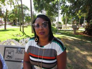 """""""Já tive casos na minha família de depressão. É uma doença silenciosa que afeta várias pessoas. Muitas vezes a falta de emprego, de amor, e a vida no 'automático', leva a pessoa a contrair a doença"""". Valdirene Moreira Pereira, 39 anos, do lar"""