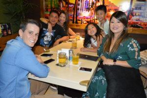 Rômulo Cavalcante/Tiemi, Robin Ho/Sueli e os filhos Bruno e Naomi Ho