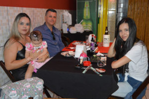 Gil Duque/Carla e as filhas Isabella e Alícia Duque