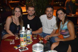 Marcelo Fadel e a namorada Germana Lima, Thiago Menezes e a namorada Liane Leichesi