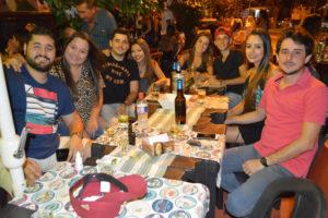 Guilherme Oliveira e a namorada Marcela Yamada, Lucas Galvão/Júlia, Gabriel Galvão e a namorada Isabela Azevedo, Bruno Galvão e a namorada Jéssica Mascarenhas