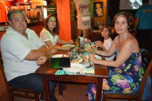 Marinho Sandoval/Renata Frasão, Marcela Frazão e o filho Arthur Nogueira