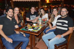 Gabriel Freitas e a namorada Jaqueline Scherman, Antônio Augusto de Castro Maciel/Naiara, Jonas Moreti e a namorada Bruna Fiuza