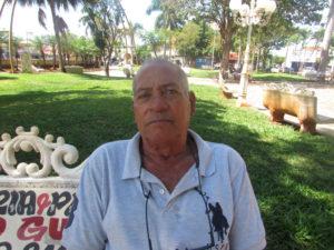"""""""É muito importante pararmos de tratar a depressão como um simples capricho da sociedade. Ela é sim incapacitante, e atinge inúmeras pessoas. Existem cada vez mais suicídios de pessoas que não têm mais vontade de viver, que não tem motivo para isso. É muito sério e preocupante"""".  João Sérgio da Silva, 69 anos, aposentado"""