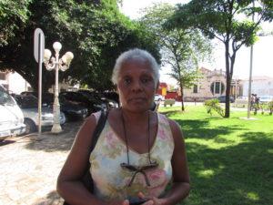 """""""A depressão no mundo atual é tratada como um capricho, falta empenho na saúde pública e descaso, mas é uma doença perigosa e devastadora. Acredito que será uma das mais incapacitantes em um futuro próximo, pois não temos controle sobre ela. Os fatores são muitos como desemprego, desânimo emocional, tristeza incondicional, entre outros"""".  Maria das Graças Silva de Lima, 60 anos, aposentada"""