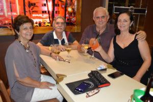 Paulo Robertos Rodrigues e Regina Trajano Telles Rodrigues,  que comemovam 39 anos de casamento, Bodas  de Mármore, com os amigos Veimar Carlos Ducati/Beth