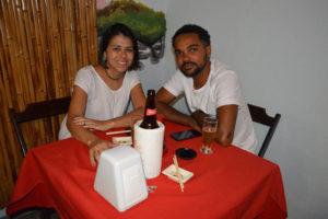 Pedro Júnior e a namorada Suellen Paiva