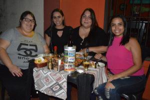 As irmãs Pâmela e Bruna Nogueira, Fernanda Gonçalves e Giovana Cardoso