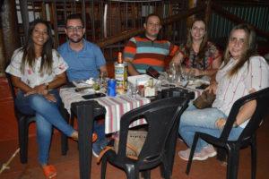 Stuque Jr./Carolina Godoy, Fabiano Frascare e a noiva Ana Carolina Stuque e a irmã Aline Stuque