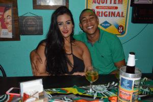Mateus Elias e a namorada Fabiana Cruz