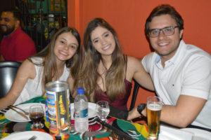 Fernanda Almeida, Yasmin Magalhães e o namorado Rodrigo Chaebub