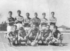 "Equipe do Arroz Cascata, que era comandado por Hernani Rocha Pereira em 1971. (1) Hernani Rocha Pereira, (2) Wilson (""Zézo"") Leite Nogueira, (3) Luiz Antônio Oliveira (""Pezão"") (in memoriam), (4) Izequiel Silva, (5) Adilson Diniz (""Coruja"") (in memoriam), (6) Gladison Liporaci Barbosa, (7) Ariovaldo Vieira de Matos,  (8) Levi Pereira Borges (in memoriam), (9) Francisco José Garcia (""Quico""),  (10) Valter Gonzalez e (11) José Antônio Jabur (""Dodô)."