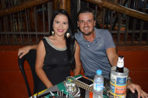 William Isliuzas e a noiva Laís Faria