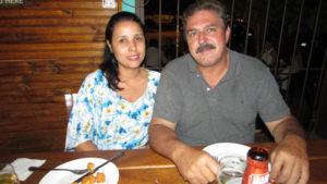 José Francisco Farias e a  namorada Caroline Dias