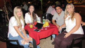Júlia Chaud, Marina Trevisan, Pedro Almeida e a namorada Fernanda Gouveia