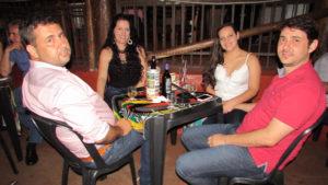 Marciano Garcia Silveira e a namorada Fabiana Silva Fiod, Luís Miguel Garcia da Silveira e a namorada Mariana Crivelaro