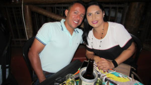 Fabrício Nogueira e a namorada Priscila Carreira