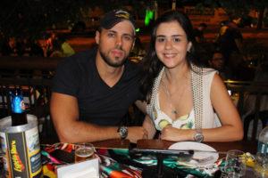 Caio Melanas e a noiva Aline Fernandes
