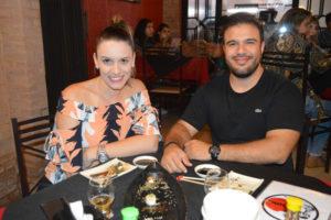 Fernando Oliveira e a namorada Letícia Ariosi