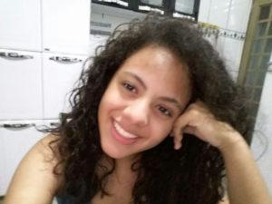 Maria Eduarda Completa 15 anos, dia 22 de abril, sábado, Maria Eduarda Borges Rodrigues.  Ela recebe os parabéns dos pais Daniel Rodrigues e Érica Borges Rodrigues, do irmão Isaque Borges Rodrigues, dos familiares e amigos