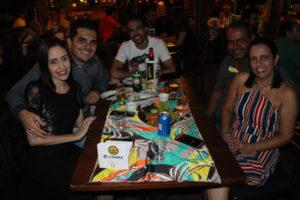 Guilherme Moussa e a namorada Angélica Pimenta, Giuliano Barbosa/Adriana Pimenta e o filho Lucas