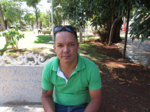 """""""A depressão se dá por inúmeros fatores; pela rotina corrida do dia a dia, quando nos sentimos tristes e, não sabemos o motivo. Por isso, acredito que, cada vez mais, ela será a doença que mais vai incapacitar as pessoas"""".  Fernando Alves Ferreira, 41 anos mecânico"""