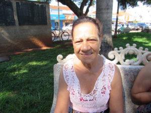 """""""A caminhada é uma grande ajuda para todos nós. A população deveria se preocupar mais nesse sentido, se exercitar é viver de forma saudável e feliz consigo mesmo"""". Edna Vera Calil, 61 anos, aposentada"""