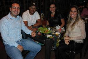 Danilo Teixeira e a namorada Andressa Caetano, Vinícius Godoy e a namorada Kamila Jacob