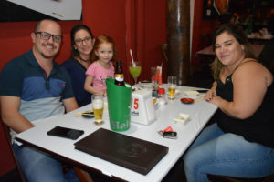 Filipe Cabrini/Lívia Cabrini e a filha Ana Beatriz Silva Cabrini e Ana Alice Silva