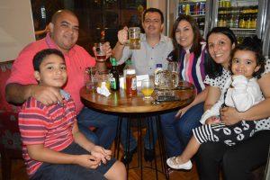Luiz Fernando de Oliveira/Michele e os filhos Felipe de Castro Oliveira e Helena de Oliveira, Almir Bendito Rocha Pereira/Denise Rocha