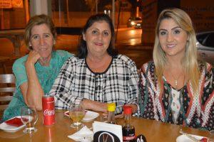 Irani da Silva, Kátia Vitória e a filha Carina Peres