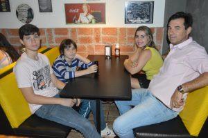 Marcos Pagotto/Renata Sandoval, os filhos Gabriel e Matheus Sandoval