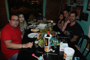 Wilton Fernandes/Daniela Ishikawa, Rodrigo Esteves/Viviane Nogueira e a filha Isabela Nogueira
