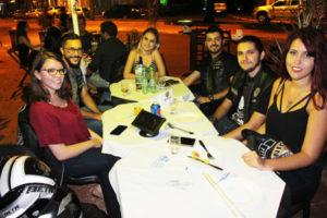 Fernando Pelegrinoti e a namorada Thainá Ferreira, Thiago Menezes e a namorada Alana Soares, Hamilton Thomaz e a namorada Thalia Marinheiro