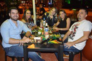 Gabriel Venturoso, Tainá Dias, Lívia Caires, Cssia Gomes e Danilo Liporaci