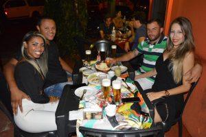 Leonardo Oliveira Miguel/Karen, Rafael Rosin e a namorada Rafaela Soares