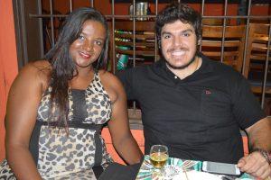 Wilson Júnior e a namorada Josi Gomes