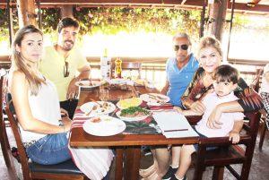 Luís Ricardo Rodrigues/Ana Flávia, o filho João Vitor de Oliveira Rodrigues, e o sogro Sílvio Alves Pinto/Elza