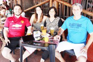 Renilton Perez de  Melo/Lucimeir  e os filhos Murilo e Michele Melo
