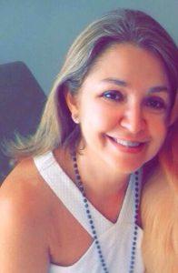Roseli Comemora aniversário dia 15 de junho, a assistente social Roseli Brunherotti Rodrigues, esposa do médico José Antônio Hiesinger Rodrigues. Ela recebe os parabéns do esposo, das filhas Aline e Júlia, dos familoiaes e amigos