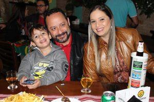 "Marquim ""do Sindicato""/Roberta Foroni de Freitas e o filho Miguel de Freitas Joazeiro"